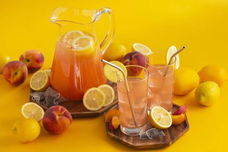 How to Make Peach Green Tea Lemonade with Real Peaches