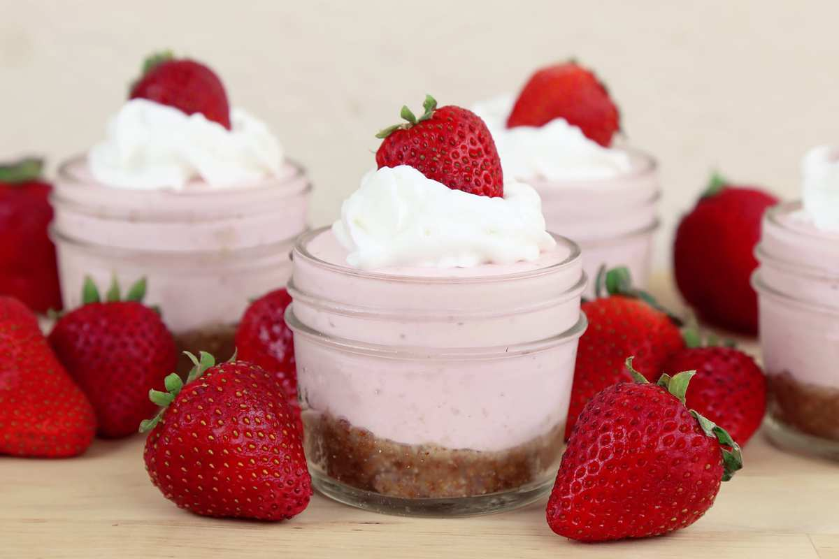 Strawberry Cheesecake Cups | Mind Over Munch