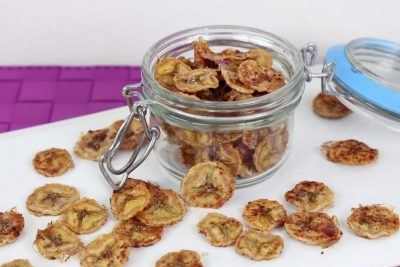Homemade Banana Chips, how to make banana chips, hree ingredient recipes, 3 ingredient healthy recipes, easy 3 ingredient recipes, easy to make snacks with little ingredients
