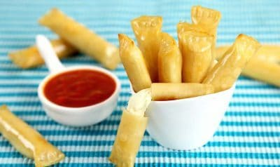 3 Ingredient Mozzarella Sticks, Three Ingredient Snack Recipes, Wonton Cheese Sticks, simple healthy recipes, few ingredient recipes