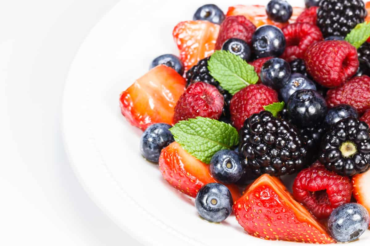 Can I Eat Fruit on a Low Carb Diet, what foods have carbs, low carb weight loss, what is a carb, what are low carb foods, what to eat on a low carb diet, low carb diet side effects