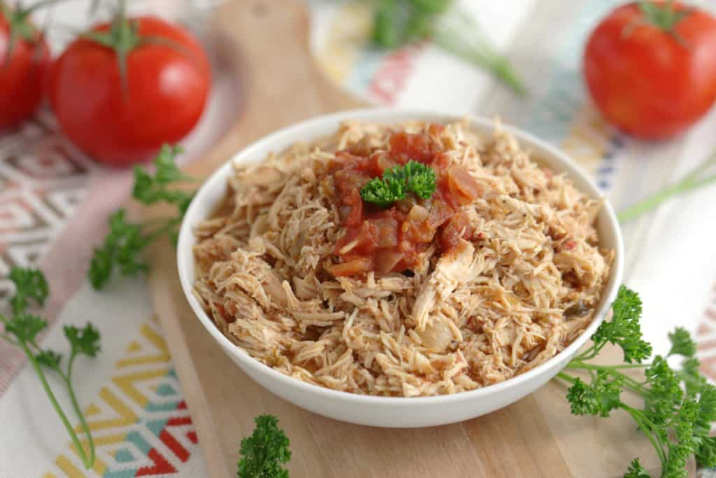 Easy Slow Cooker Chicken, Healthy Slow Cooker Recipes, healthy crock pot recipes, slow cooker chicken recipes, crockpot chicken recipes, 3 ingredient slow cooker recipes, 3 ingredient crock pot recipes