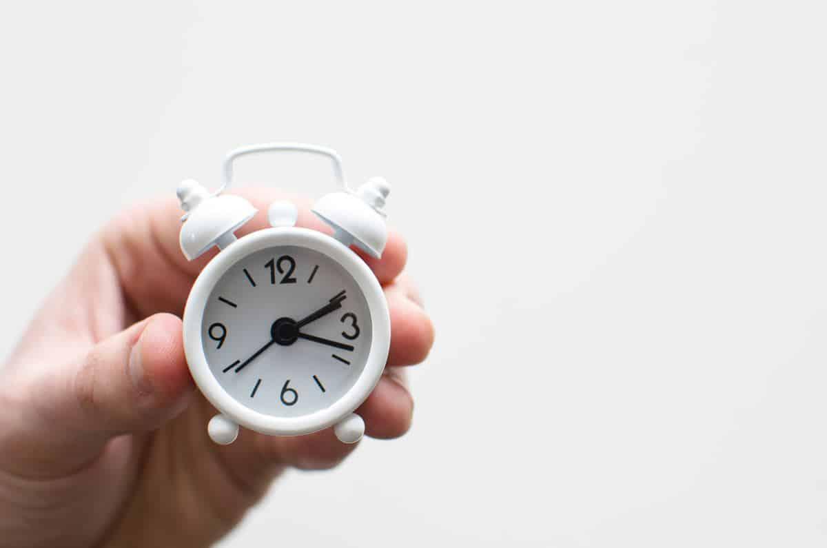 Making good habits breaking bad habits, how to break a bad habit, how to build habits, new years resolutions