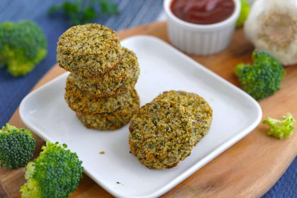 Vegetarian Meal Prep Recipes, baked broccoli fritters, healthy vegetarian snack ideas