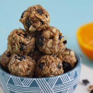 Vegan Oatmeal Energy Balls