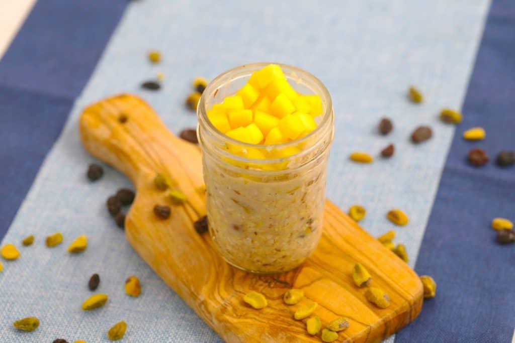 Vegetarian Meal Prep Recipes, mango overnight oats, easy vegetarian meals, easy vegetarian recipes for beginners, healthy vegetarian breakfast