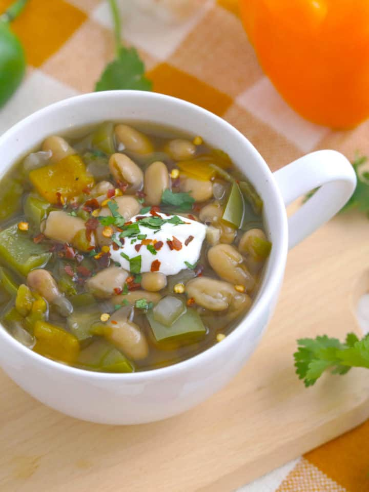Slow Cooker Jalapeno White Bean Soup