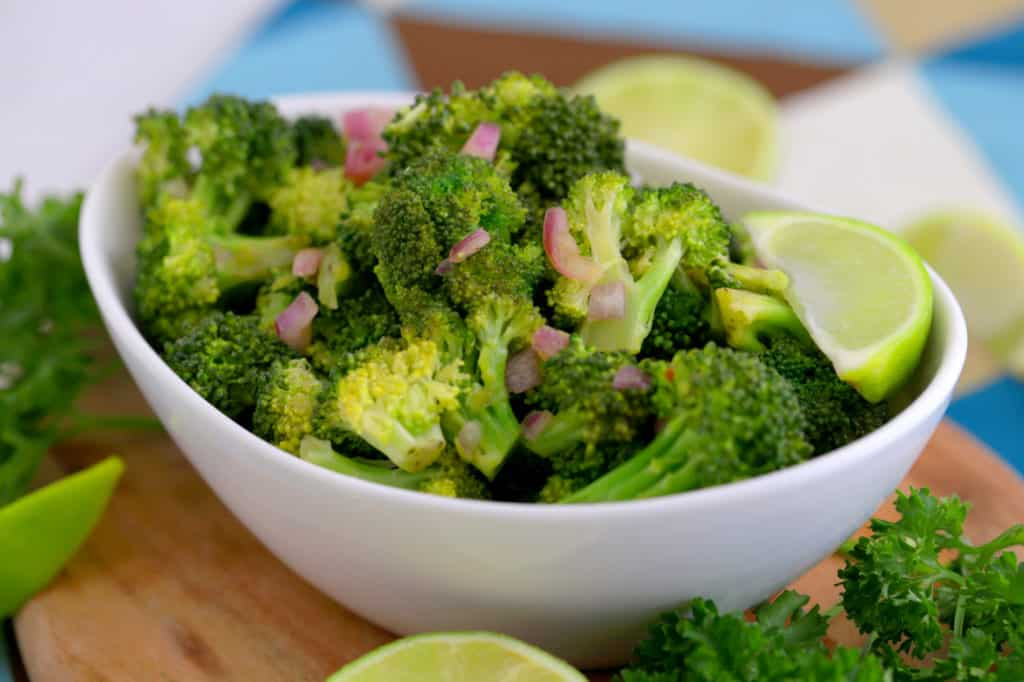 how to cook raw broccoli in the microwave