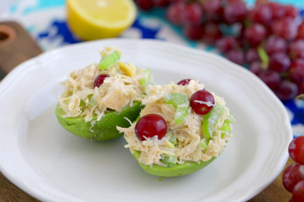Canned Chicken Salad Recipe, how to make chicken salad with canned chicken, chicken salad with grapes and almonds, canned chicken recipes, easy chicken salad recipe, no cook meal prep, no heat lunch ideas, chicken salad without mayo