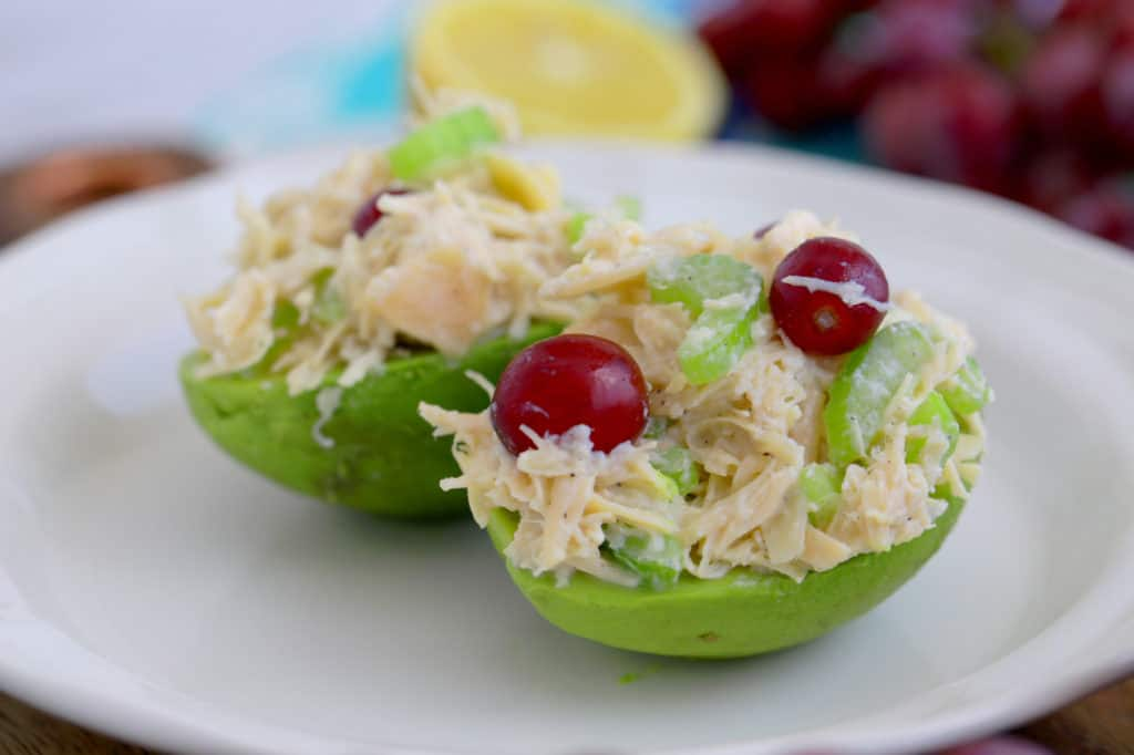 Canned Chicken Salad Recipe, how to make chicken salad with canned chicken, chicken salad with grapes and almonds, canned chicken recipes, easy chicken salad recipe, chicken salad without mayo, no cook meal prep, no heat lunch ideas