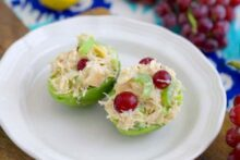 Canned Chicken Salad Recipe, how to make chicken salad with canned chicken, chicken salad with grapes and almonds, canned chicken recipes, easy chicken salad recipe, no cook meal prep, no heat lunch ideas