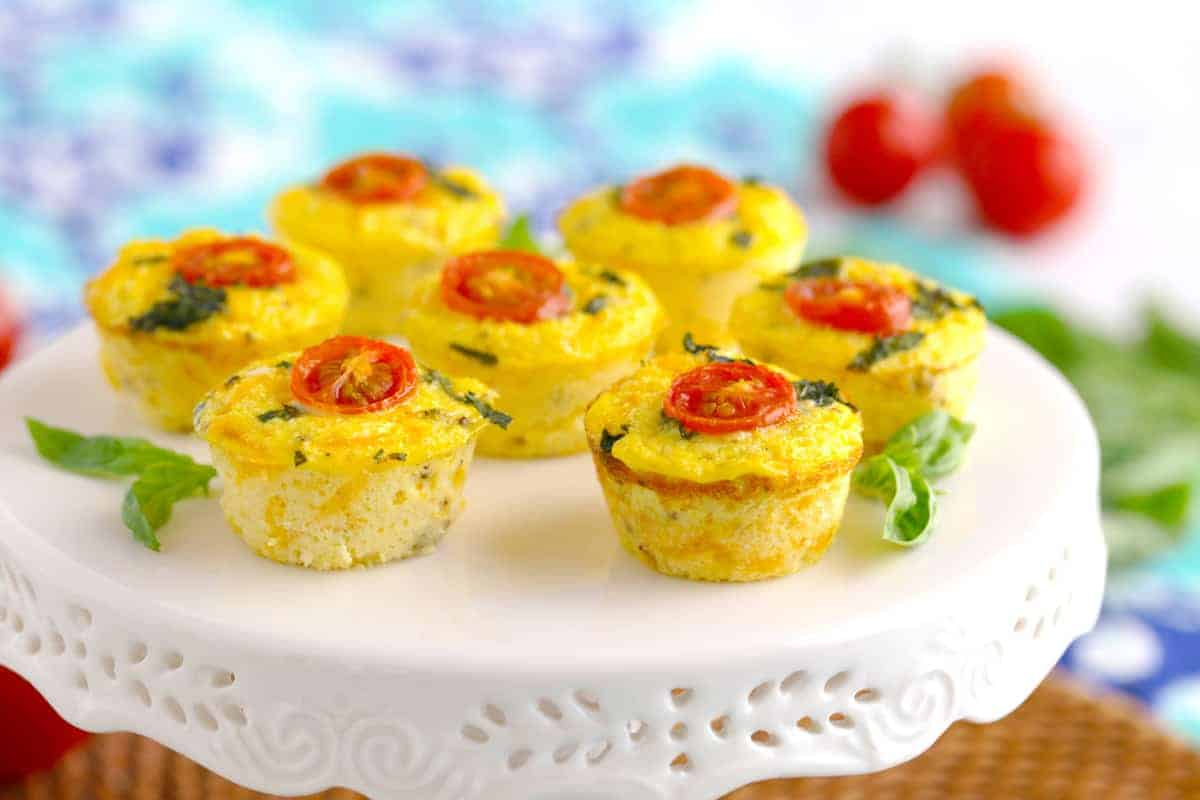 Cheesy Cauliflower Breakfast Egg Cups