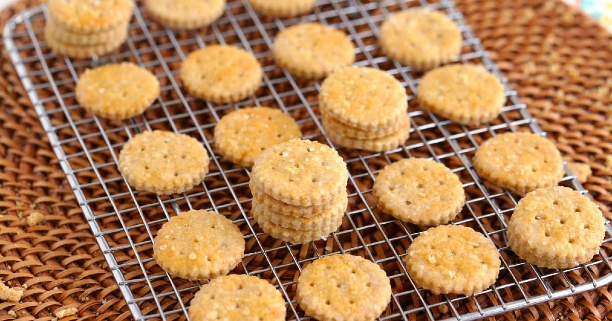 Homemade Ritz Crackers Whole Grain Clean Ingredients