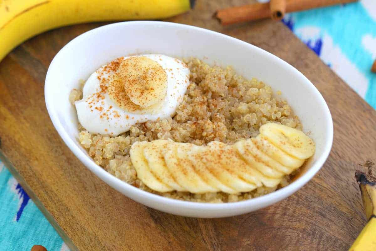 Healthy Quinoa Breakfast Bowl, quinoa breakfast recipes, quinoa oatmeal, quinoa breakfast porridge, how to cook quinoa in microwave, how to microwave quinoa, can you cook quinoa in the microwave, healthy microwave meals for college students