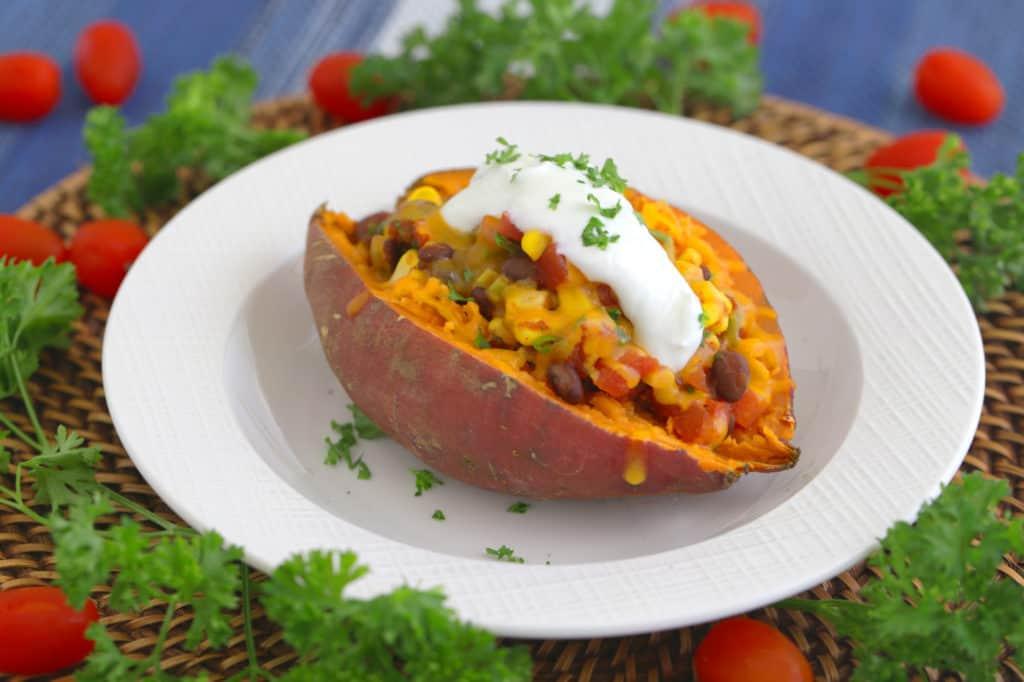 Mexican Stuffed Sweet Potatoes, how to cook a sweet potato in the microwave, how to microwave a sweet potato, vegan stuffed sweet potatoes, how to bake a potato in the microwave, stuffed sweet potato recipe vegetarian