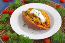 Taco Stuffed Sweet Potatoes, how to cook a sweet potato in the microwave, how to microwave a sweet potato, healthy stuffed sweet potatoes, how to bake a potato in the microwave, stuffed sweet potato recipe vegetarian