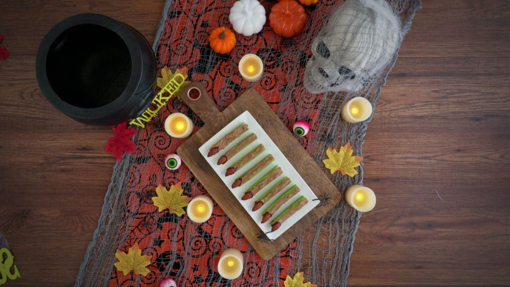 witch fingers halloween treats, spooky witches fingers, witch finger halloween food, witches fingers vegetable, healthy halloween snacks, kids halloween snacks