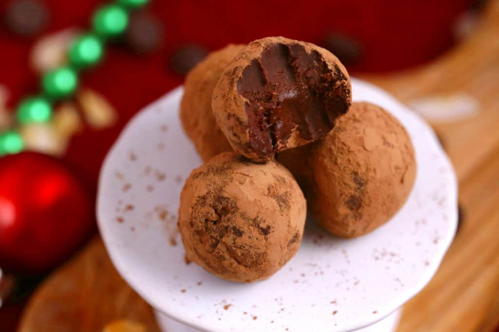 Easy Chocolate Truffles Recipe, how to make chocolate truffles, vegan truffles, paleo truffles, low carb truffles, 2 ingredient chocolate truffles