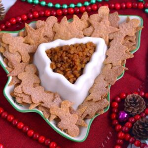 Apple Pie Dip with Cinnamon Chips, sweet apple salsa, healthy holiday appetizer, holiday party desserts, apple pie dip appetizer, apple pie salsa and cinnamon sugar tortillas