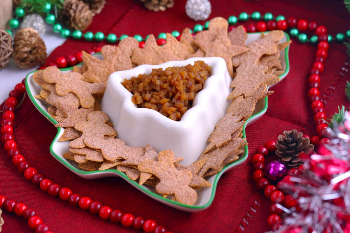 Apple pie dip with cinnamon chips, sweet apple salsa, healthy holiday appetizer, healthy holiday party desserts