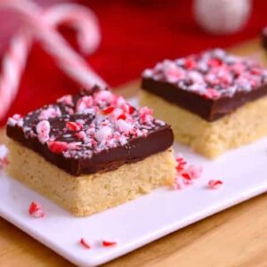 Chocolate Peppermint Shortbread Bars, gluten free shortbread, chocolate shortbread, almond flour shortbread, low carb holiday desserts