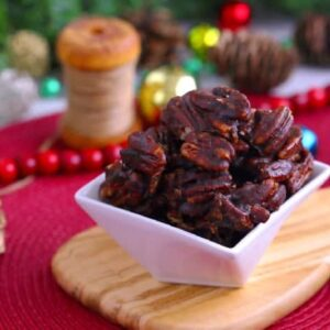 Cinnamon Glazed Pecans, How to make glazed pecans, cinnamon sugar pecans, vegan candied pecans, candied pecans stovetop
