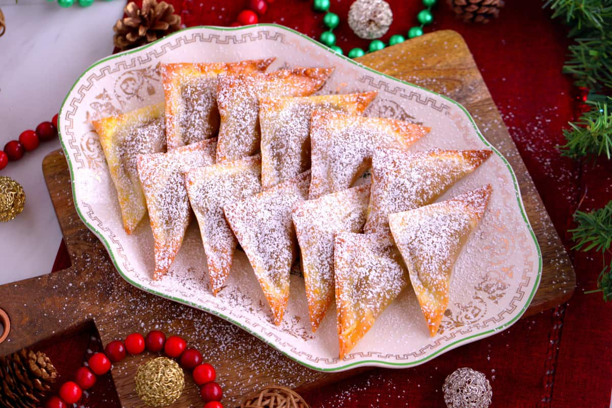 Pumpkin Pie Wontons, baked wontons for appetizers, healthy holiday desserts, holiday party desserts, how to make baked wontons
