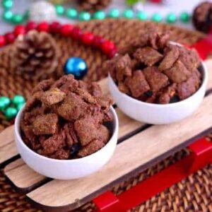 Puppy Chow Recipe, Muddy Buddies, how to make puppy chow, how to make muddy buddies, Christmas muddy buddies