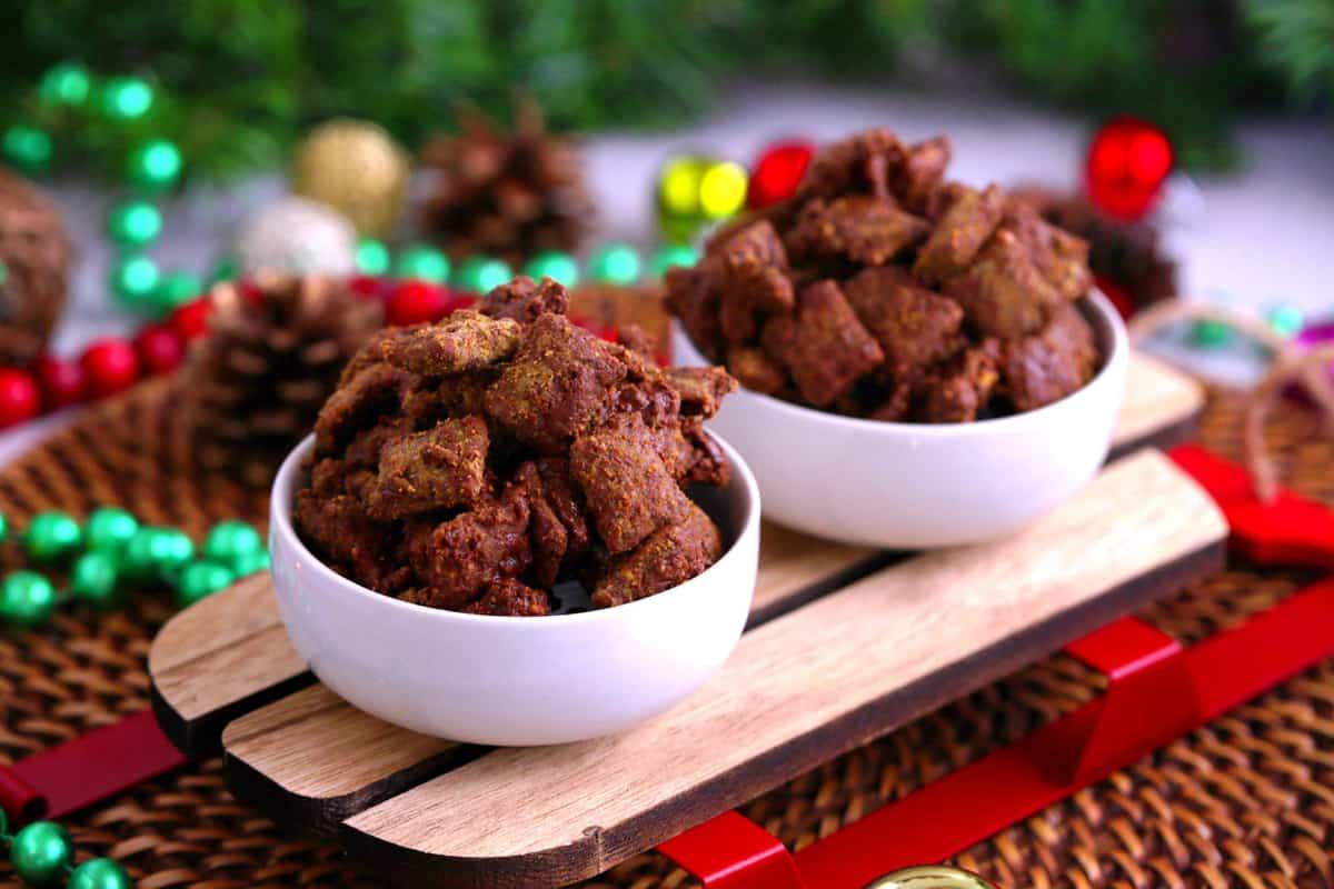 Puppy Chow Recipe, how to make puppy chow, Muddy Buddies recipe, peanut butter muddy buddies