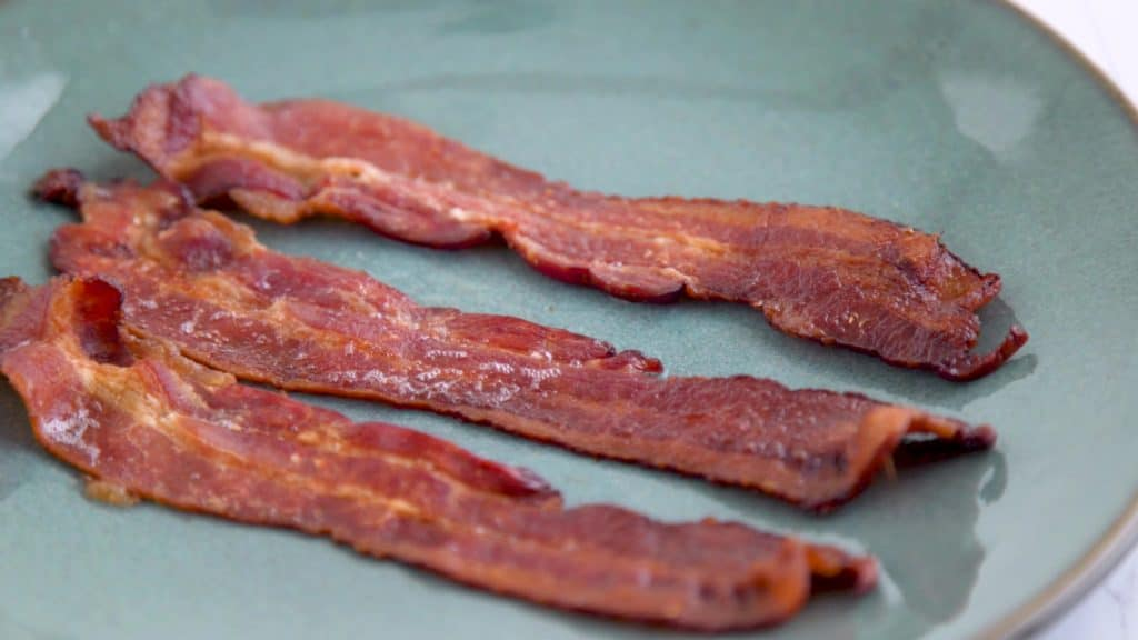 How to Cook Bacon in the Oven, baking bacon, how long to cook bacon in oven, freezing bacon, keto breakfast ideas, keto meal prep,