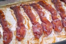 Cooking bacon in the oven, oven baked bacon, how to make bacon in the oven, how long to bake bacon, crispy bacon in oven, how do you bake bacon, can you freeze bacon, keto breakfast recipes, ketogenic breakfast, ketogenic recipes, easy keto recipes, low carb breakfast meal prep