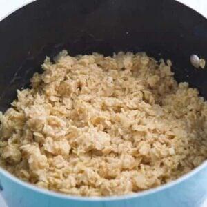 Savory Oatmeal Base Recipe, how to make oatmeal, basic oatmeal recipe, healthy oatmeal, how to cook oatmeal, savory porridge, old fashioned oatmeal, cooking oatmeal, salty oatmeal, garlic porridge