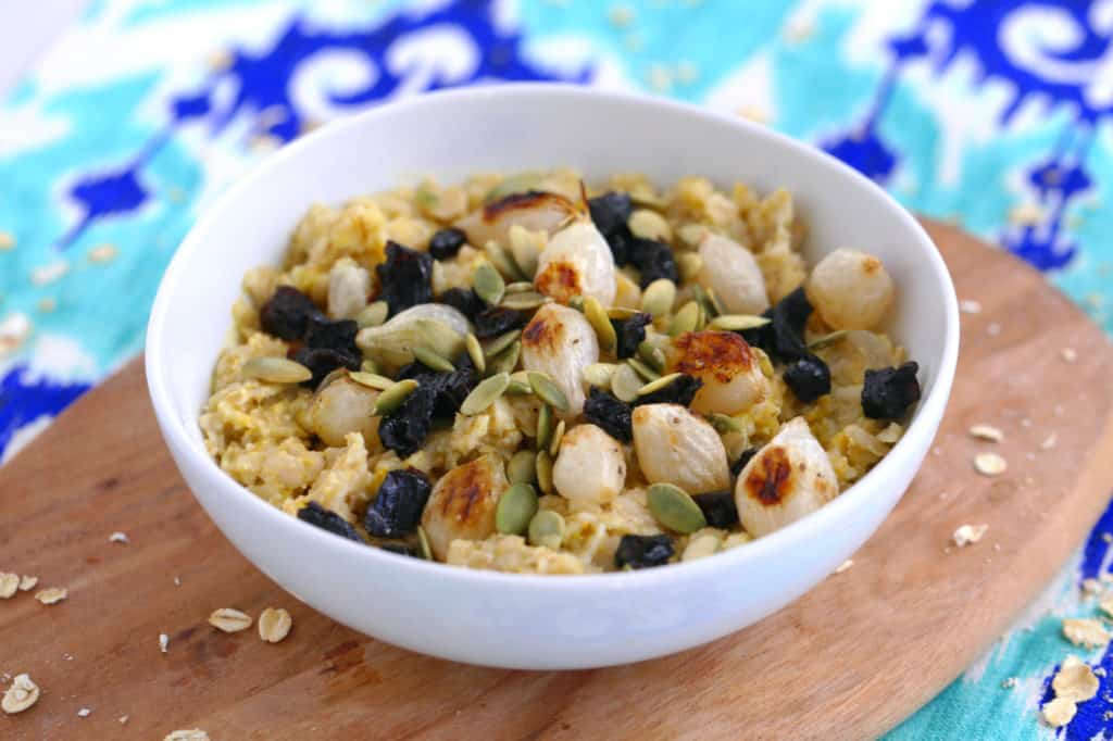 Sweet & Savory Curry Oatmeal, savory oatmeal vegan, prunes pumpkin seeds pearl onions oatmeal, simple savory oatmeal, savory porridge, savory oatmeal recipes, easy healthy breakfast ideas