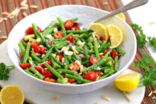 Asparagus Salad Recipe, asparagus tomato salad, raw asparagus salad, cold salads, easy lunch recipes, meal prep lunch ideas, cold lunch ideas, vegetarian meal prep recipes