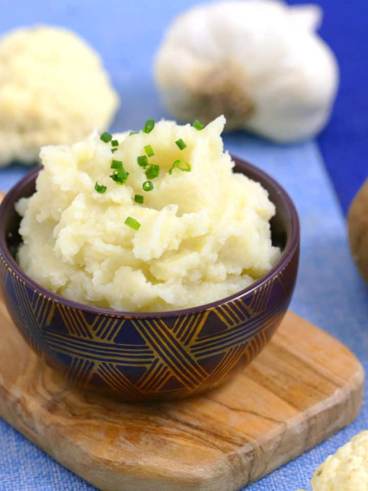 How to Make Cauliflower Mashed Potatoes, cauliflower mashed potatoes recipe, cauliflower and potato mash, easy healthy dinner recipes, healthy dinner side dishes, vegetable side dishes, cheap meal prep