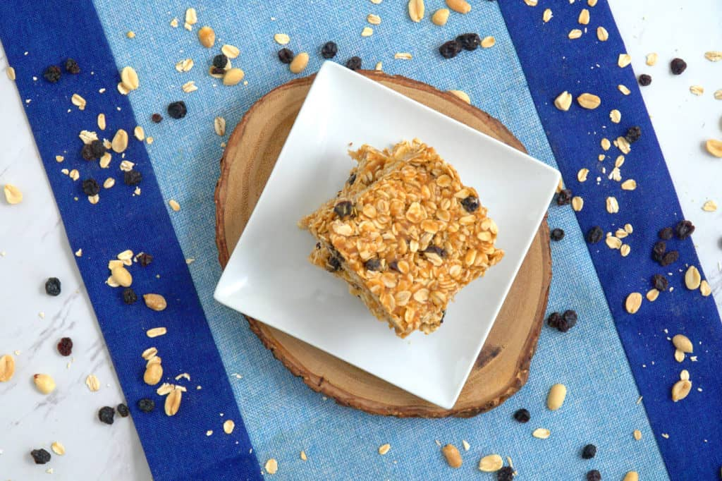 Peanut Butter Oatmeal Bars, healthy no bake oatmeal bars, homemade breakfast bars, healthy oatmeal raisin bars, easy healthy breakfast, breakfast meal prep ideas, healthy breakfast recipes, breakfast bar recipe