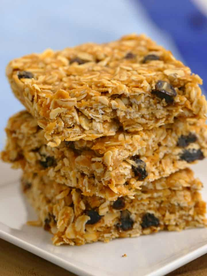 Peanut Butter Oatmeal Bars, healthy no bake oatmeal bars, breakfast bar recipe, homemade oatmeal bars, meal prep breakfast ideas, easy breakfast meal prep, on the go breakfast ideas, oatmeal breakfast bars