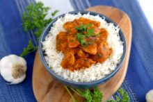 Instant pot butter chicken and rice, how to make butter chicken, healthy butter chicken recipe, easy instant pot recipes, instant pot meals, instant pot chicken and rice, pressure cooker chicken thighs