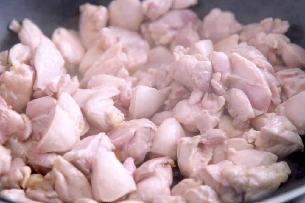 Healthy sesame chicken recipe, healthy lunch meal prep, sesame chicken meal prep, chicken meal prep ideas, easy meal prep, budget recipes, meal prep lunch ideas, easy healthy meals