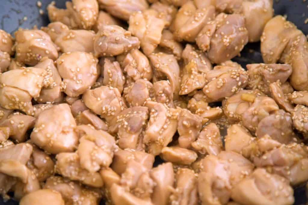 Healthy sesame chicken meal prep recipe, homemade sesame chicken, healthy lunch on the go, healthy meal prep recipes, budget meals, make ahead lunches