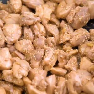 Healthy sesame chicken, meal prep lunch ideas, healthy sesame chicken meal prep recipe, honey sesame chicken recipe, healthy lunches for work, meal prep recipes chicken, healthy meal prep ideas