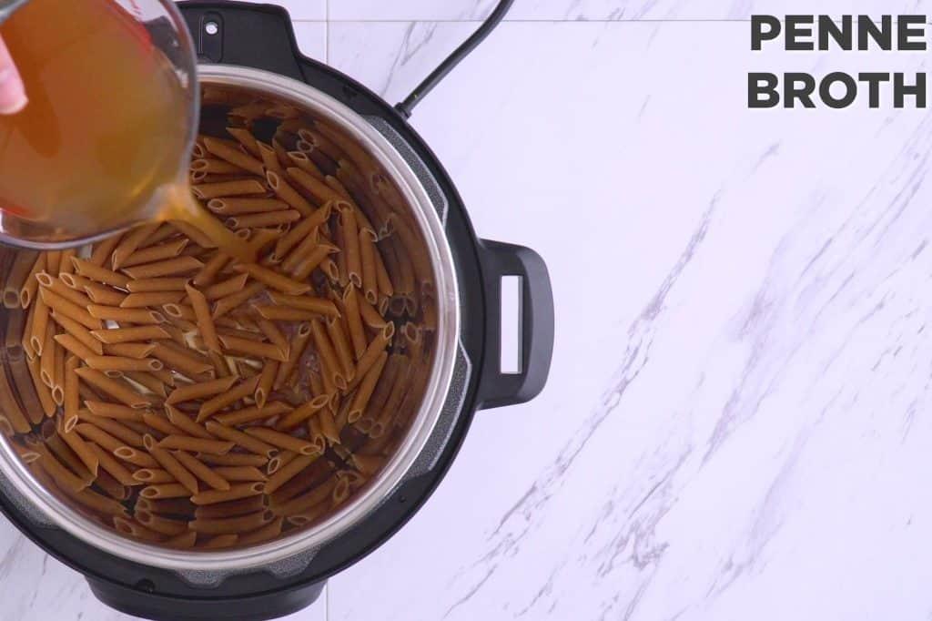 Instant Pot Pasta Primavera Recipe, primavera pasta, pressure cooker pasta recipes, one pot pasta primavera, instant pot recipes, easy instant pot recipes, vegan pressure cooker recipes, instant pot one pot pasta