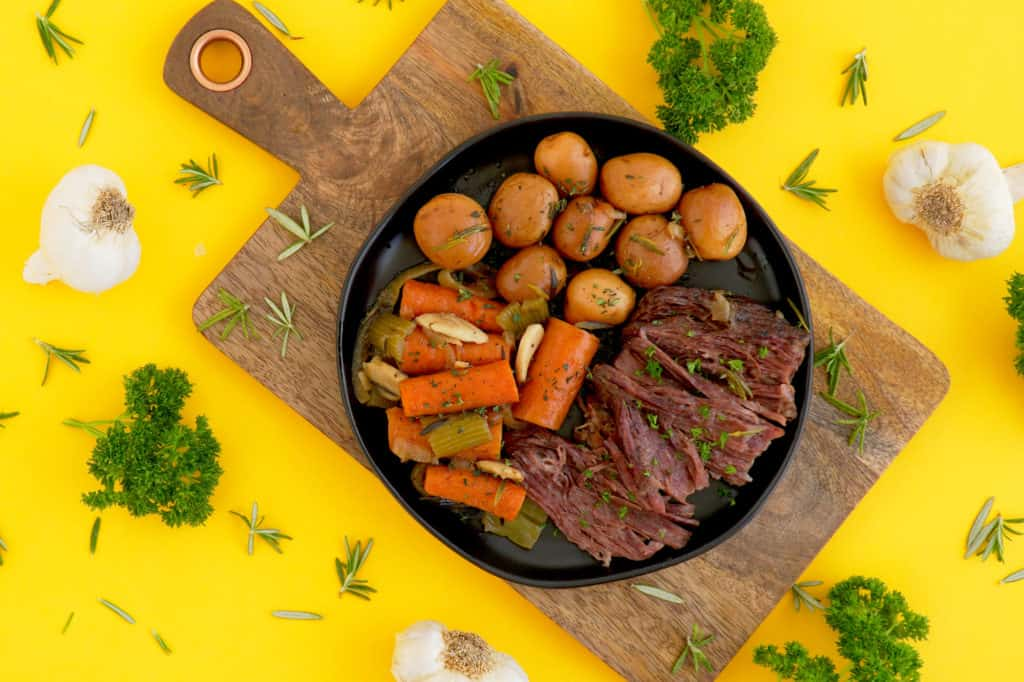 Dutch oven pot roast recipe, slow cook pot roast in oven, one pot recipes, how to cook a pot roast in a dutch oven, slow cooker pot roast, easy meal ideas,beef chuck pot roast, pot roast recipe dutch oven