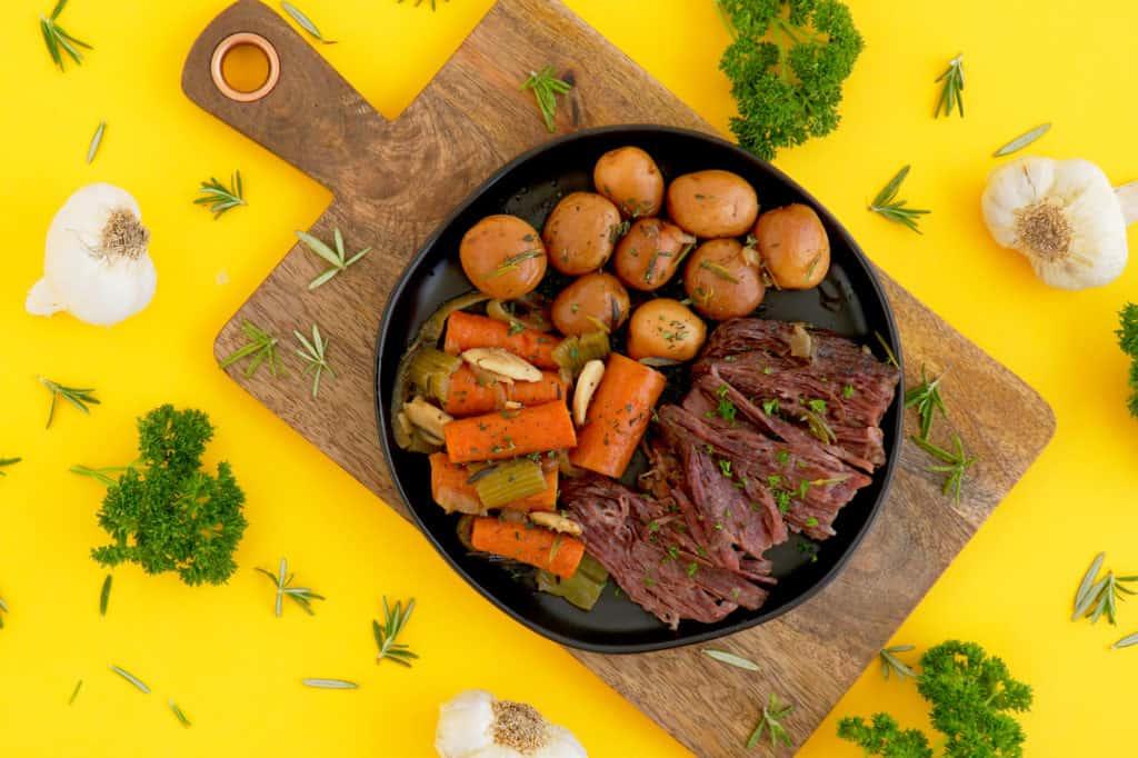 Dutch oven pot roast recipe, slow cook pot roast in oven, one pot recipes, how to cook a pot roast in a dutch oven, slow cooker pot roast, easy meal ideas,beef chuck pot roast, pot roast recipe dutch oven