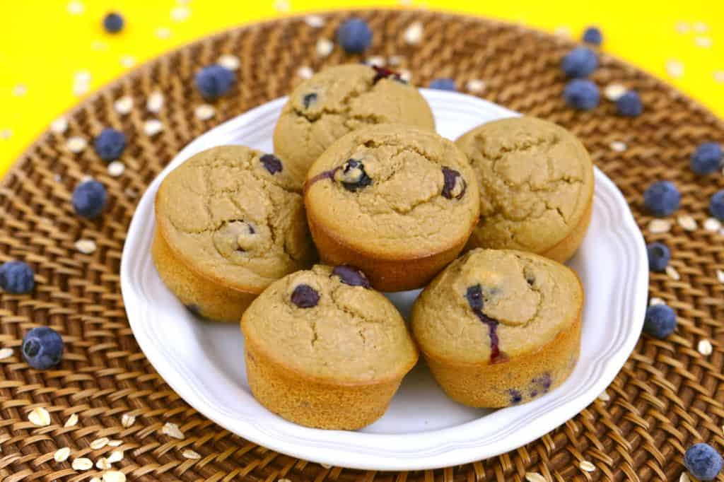 Healthy oatmeal blender muffins, healthy blueberry muffins, gluten free blueberry muffins, blueberry oatmeal muffins, how to make healthy muffins without flour, blueberry blender muffins, gluten free dairy free blueberry muffins, oatmeal muffins no flour, flourless muffins