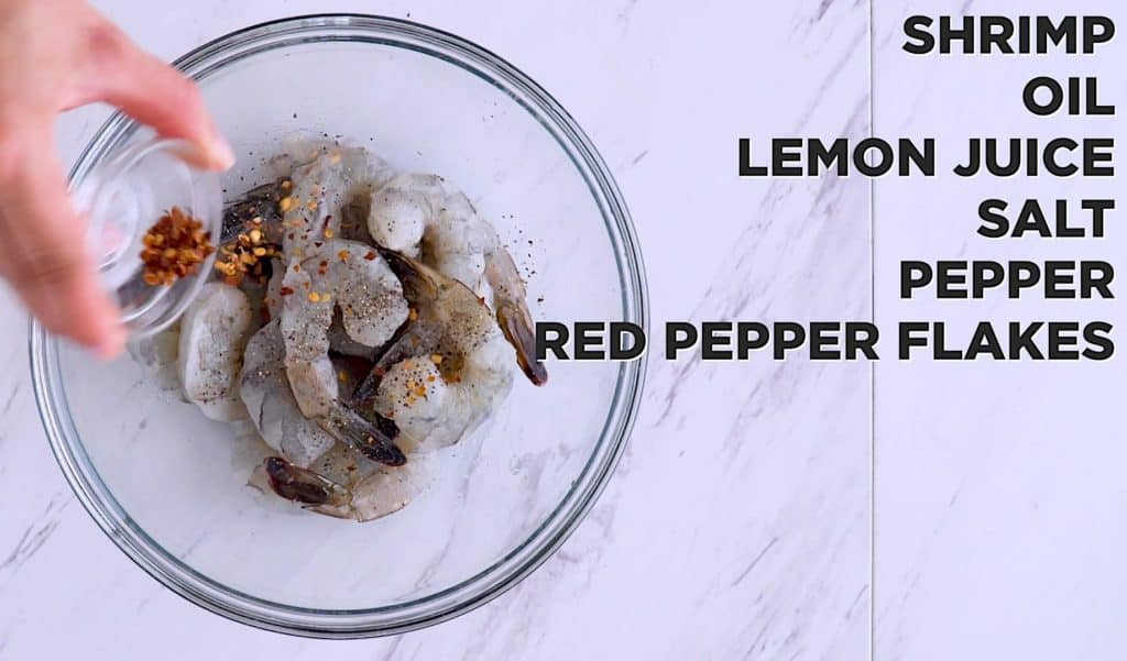 Lemon garlic sheet pan shrimp and asparagus, oven baked shrimp, easy one pan dinners, raw shrimp recipes, easy weeknight meals, healthy shrimp dinner recipes, baked lemon shrimp, easy healthy dinner ideas