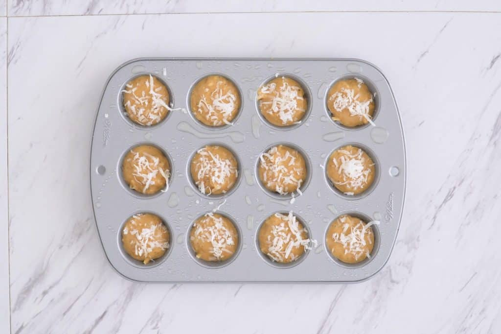 Flourless Cashew Butter Muffins Paleo, sugar free paleo muffins, 3 ingredient muffins, healthy muffins without flour, nut butter muffins, grain free mini muffins, travel snacks, healthy road trip snacks, flourless sugarless muffins