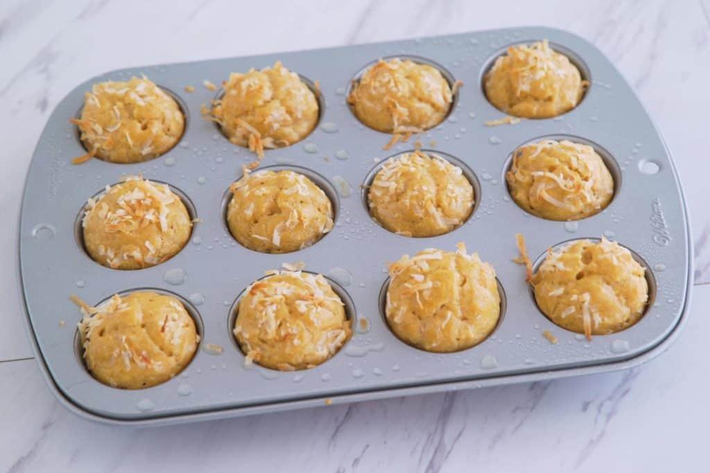 Paleo Cashew Butter Muffins, gluten free nut butter muffins, healthy paleo muffins, flourless muffins, grain free sugar free muffins, easy gluten free muffins, healthy paleo snacks, healthy snack ideas, cashew muffins, healthy no flour muffins