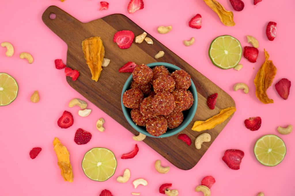 Healthy Dried Fruit and Nut Energy Balls, fruit and nut bites, healthy no bake energy balls, vegan energy bites, mango energy bites, no bake trail mix energy bites, healthy road trip snacks, healthy energy bites, easy healthy snacks