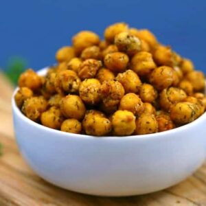 Ranch Roasted Chickpeas Recipe, how to roast chickpeas, crispy roasted chickpeas, ranch flavored chickpeas, dried chickpeas snack, roasted garbanzo beans, how to make crispy chickpeas, roasted chickpeas from can, healthy snacks, road trip snacks, vegan snacks